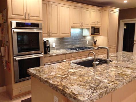de jeux de cuisine cuisine plaque de marbre pour cuisine avec jaune couleur