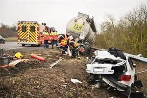 Autoroute A13 Accident : sa voiture est tra n e par un camion citerne la miracul e de l 39 autoroute a13 ~ Medecine-chirurgie-esthetiques.com Avis de Voitures