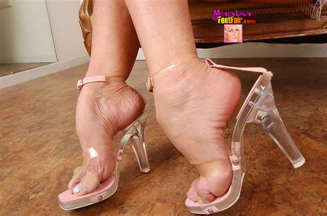 Mon P Lo Porn Pic From Queen Of Mature Foot Fetish Models Mona Lisa Sex