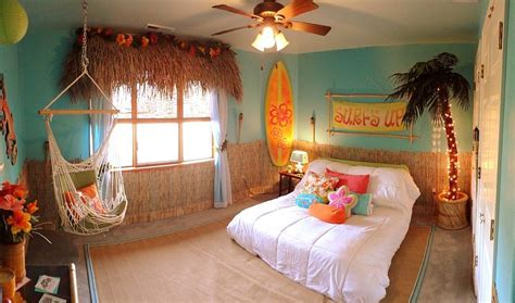 20 Kids' Bedrooms That Usher In A Fun Tropical Twist