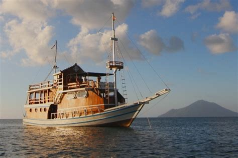 Boats For Sale In Jakarta Indonesia by Dive Center For Sale Looking For A New Partner Of