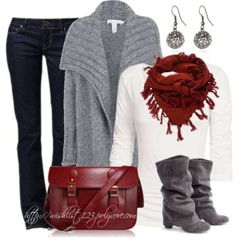 causual christmas ouitfit ideas for womens winter