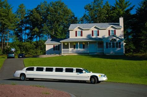 Local Limo Rental by Bellevue Limo Rentals Find Local Bellevue Limo Rental