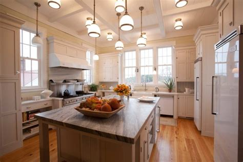 Modern Farmhouse Kitchens That Fuse Two Styles Perfectly