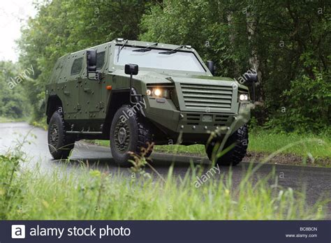 bundeswehr panzer kaufen prototyp des gepanzerten mehrzweck fahrzeug v gepanzertes fahrzeug fuer sterben bundeswehr
