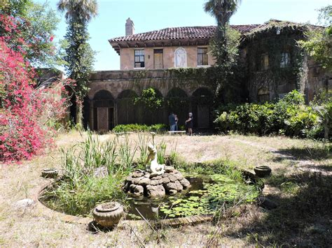 mysterious abandoned howey mansion    sale