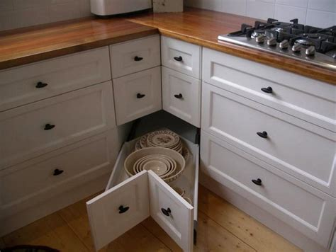 25 Design Hacks for Rational Storage in Small Kitchens