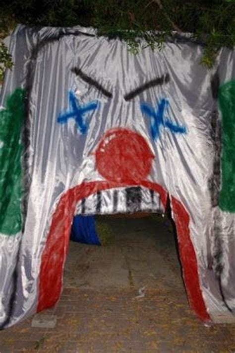 images  haunted trail ideas  pinterest scary halloween makeup haunted houses