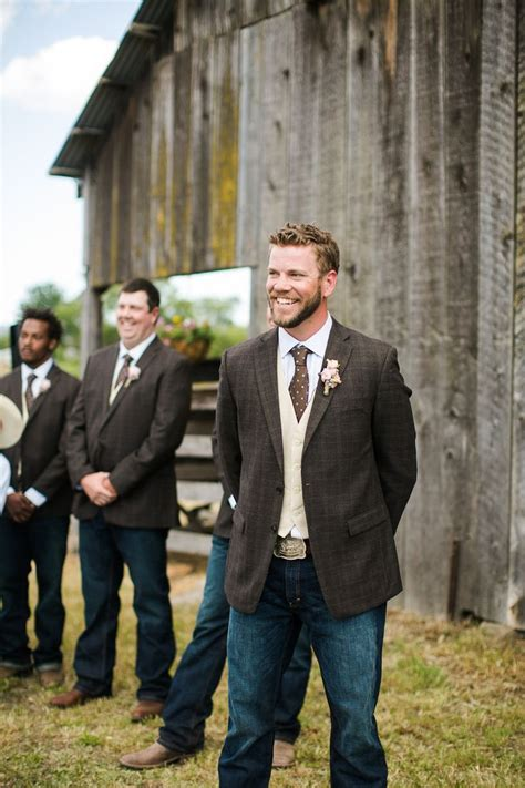 Best 25 Rustic Groomsmen Attire Ideas On Pinterest