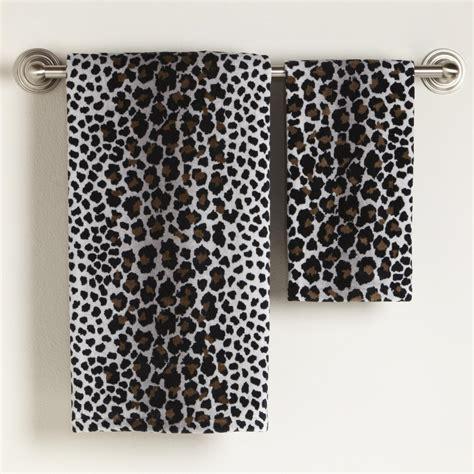 home design ideas leopard bathroom decor