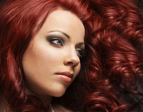 Dark Red Hair Color Ideas Thatll Make You Look Smoking Hot