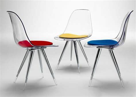 petites cuisines modernes les chaises transparentes et l 39 intérieur contemporain