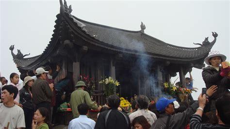 filechua dong yen tujpg wikimedia commons
