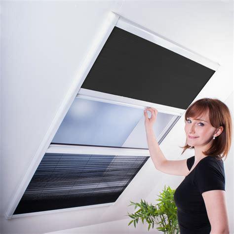 Rollos Und Plissees Fuer Dachfenster by Kombi Dachfenster Plissee Sonnenschutz Fliegengitter