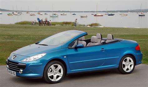 peugeot cabriolet peugeot 307 coupé cabriolet review 2003 2008 parkers