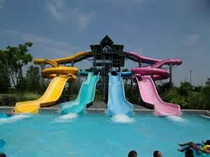 Aquatica Orlando Water Park Slides