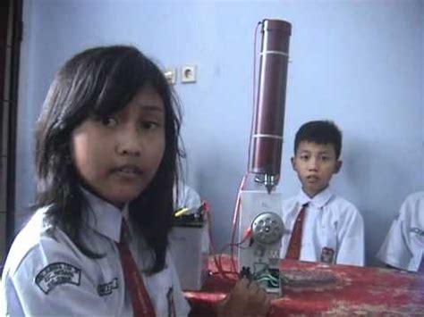 siswa sd buat alat deteksi gempa  seismograf youtube