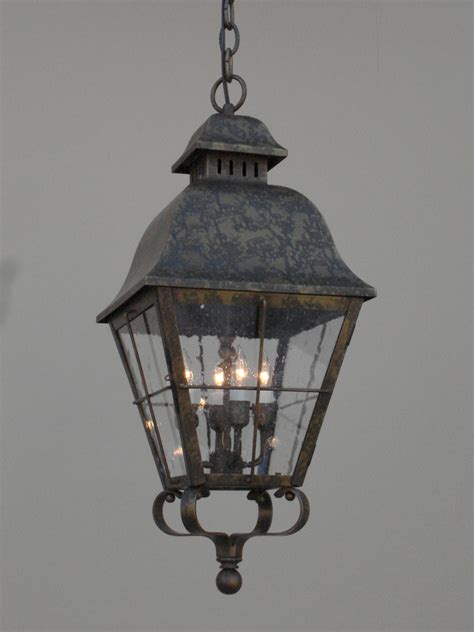 Selecting The Right Outdoor Lighting Fixture For Your Home