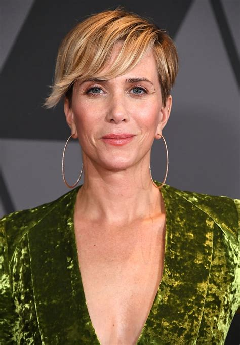 kristen wiig women   play indiana jones