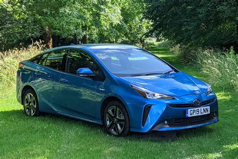 What is a hybrid car? | Parkers