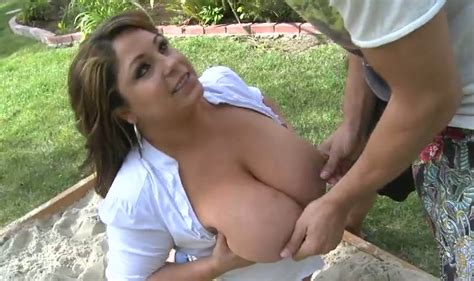 Gorgeous milf Salena Marie gave best ever blowjob to horny young guy