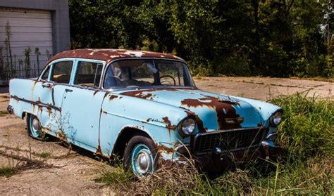 Old Rusty Car Free Stock Photo