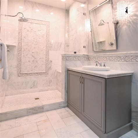 Carrara Marble Tile Bathroom by Best 25 Marble Tile Bathroom Ideas On Master