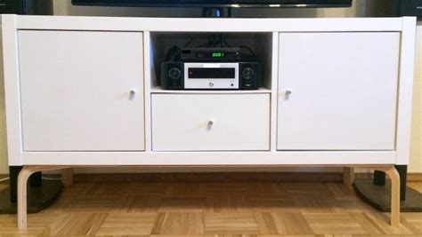 un meuble tv moderne avec les meubles kallax et frosta