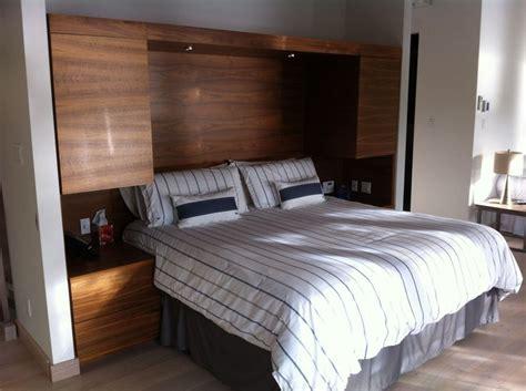 t 234 te de lit avec table de chevet et rangement int 233 gr 233 en placage de noyer noir mobilier sur