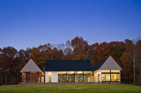 Contemporary Take On The Warm Country Home  Modern House