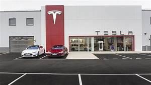 Tesla Aix En Provence : tesla france ouvre sa plus grande concession chambourcy les num riques ~ Medecine-chirurgie-esthetiques.com Avis de Voitures