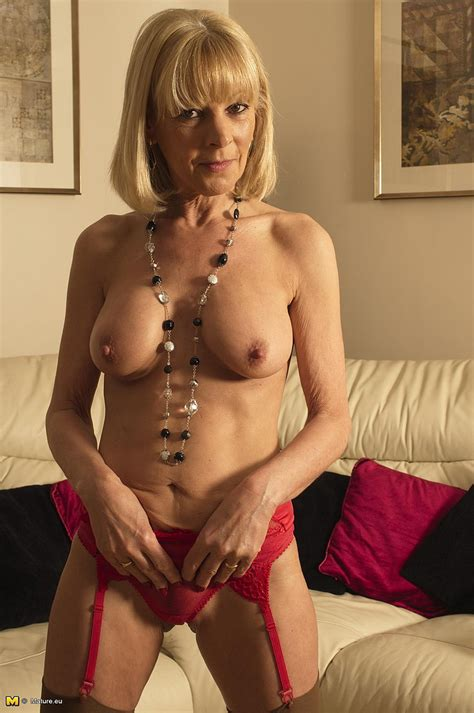 Blonde Milf Tease And Please Her Cunt Photos Melissa D