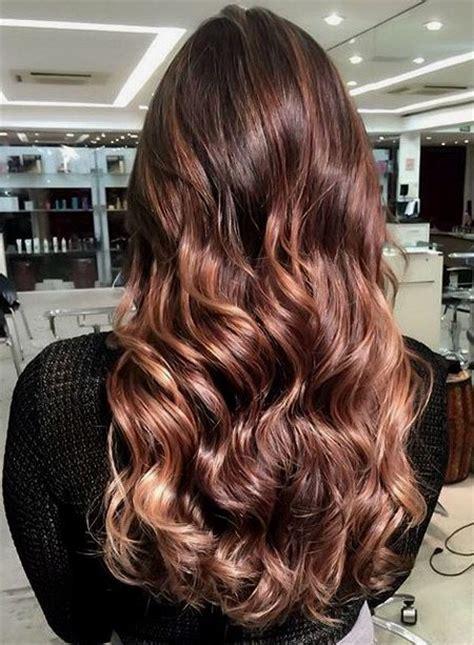 brun chocolat de couleurs de cheveux pour  coupe de