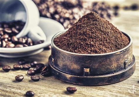 ground coffee  cup kitchensanity