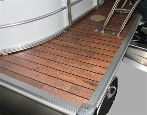 Pontoon Boat Flooring Wood by 2013 Sylvan Mirage Le Optional Vinyl Teak A Beautiful