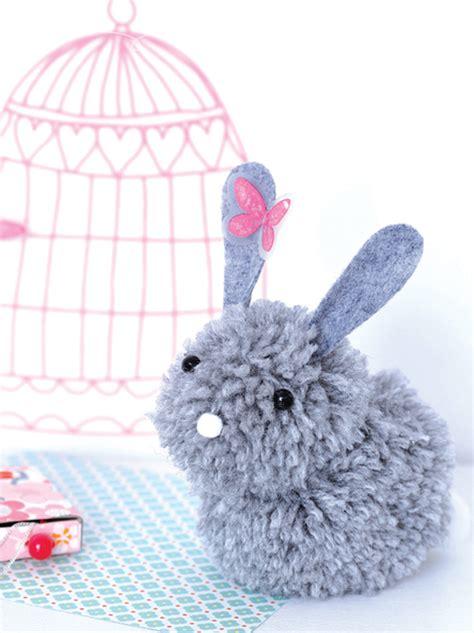 faire un pompon en un lapin en pompons momes net