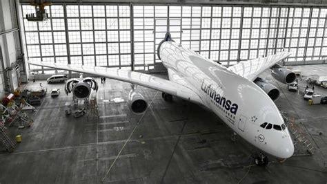 hanggar unik pesawat raksasa airbus   jerman