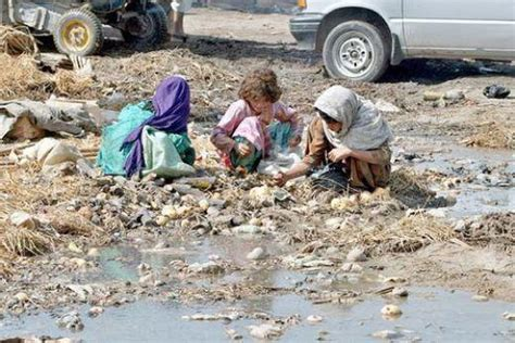 Poverty In Pakistan Essay by Causes Of Poverty In Pakistan And Its Solutions Essay