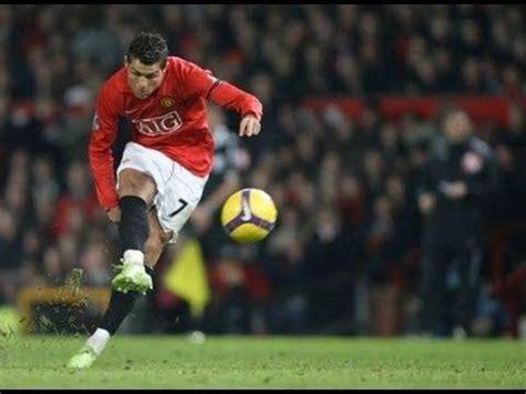 pro soccer players  high  shooting