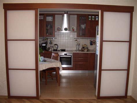 Установка дверей кухни своими руками