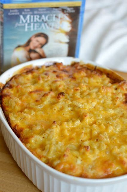 Dashing christmas dinner menu menu. Traditional Southern-Styled Baked Macaroni & Cheese | Thanksgiving recipes side dishes, Quick ...