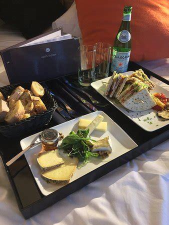 Service En Chambre Plateau Repas Assiette De Fromage Et