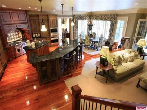 The Best Home Decor For Small Spaces: 'Chrisley Knows Best' Home For Sale: Take The Tour