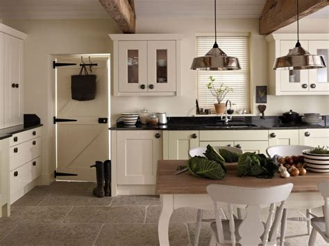 beige color in the interior and its combinations with other colors