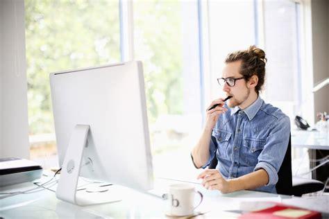 Graphic Designer Job Description And Salary Information