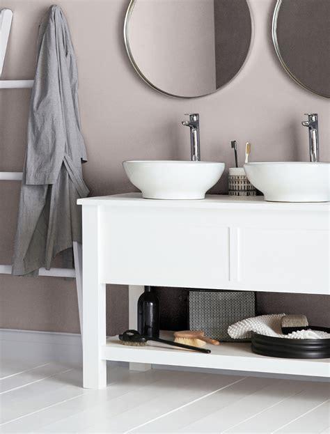 Crown Cupboard Paint by Linen Cupboard Mid Sheen Bathroom Crown Paints