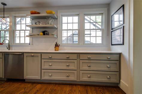 meuble cuisine en bois cuisine repeindre meuble de cuisine en bois avec gris