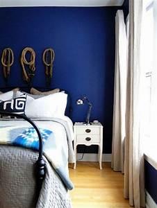 Petrol Wandfarbe Schlafzimmer : die wundersch ne und effektvolle wandfarbe petrol ~ Buech-reservation.com Haus und Dekorationen
