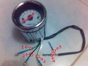 Installing Moto R Analog Tachometer