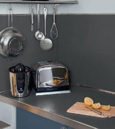 peindre carrelage credence cuisine peinture v33 pour carrelage de crédence cuisine en gris